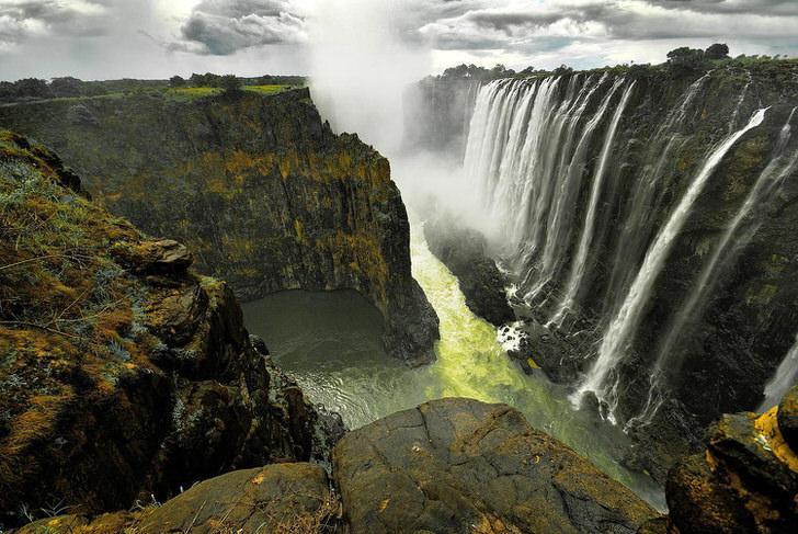 عجایب شگفت انگیز آبی در سراسر جهان