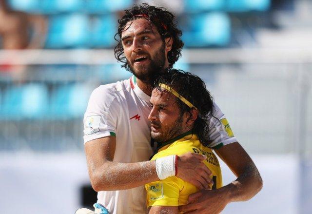 اکبری: تیم ملی فوتبال ساحلی پوست اندازی نموده است