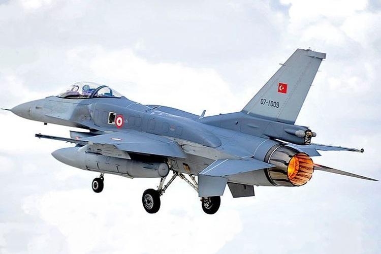 یونان: جنگنده های ترکیه حریم هوایی ما را نقض نموده اند