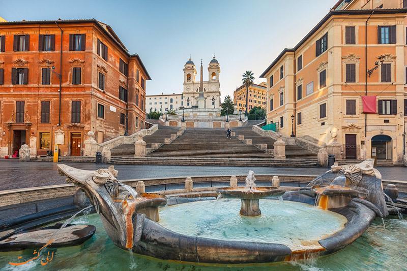 چرا پله های اسپانیایی در رم معروف هستند؟