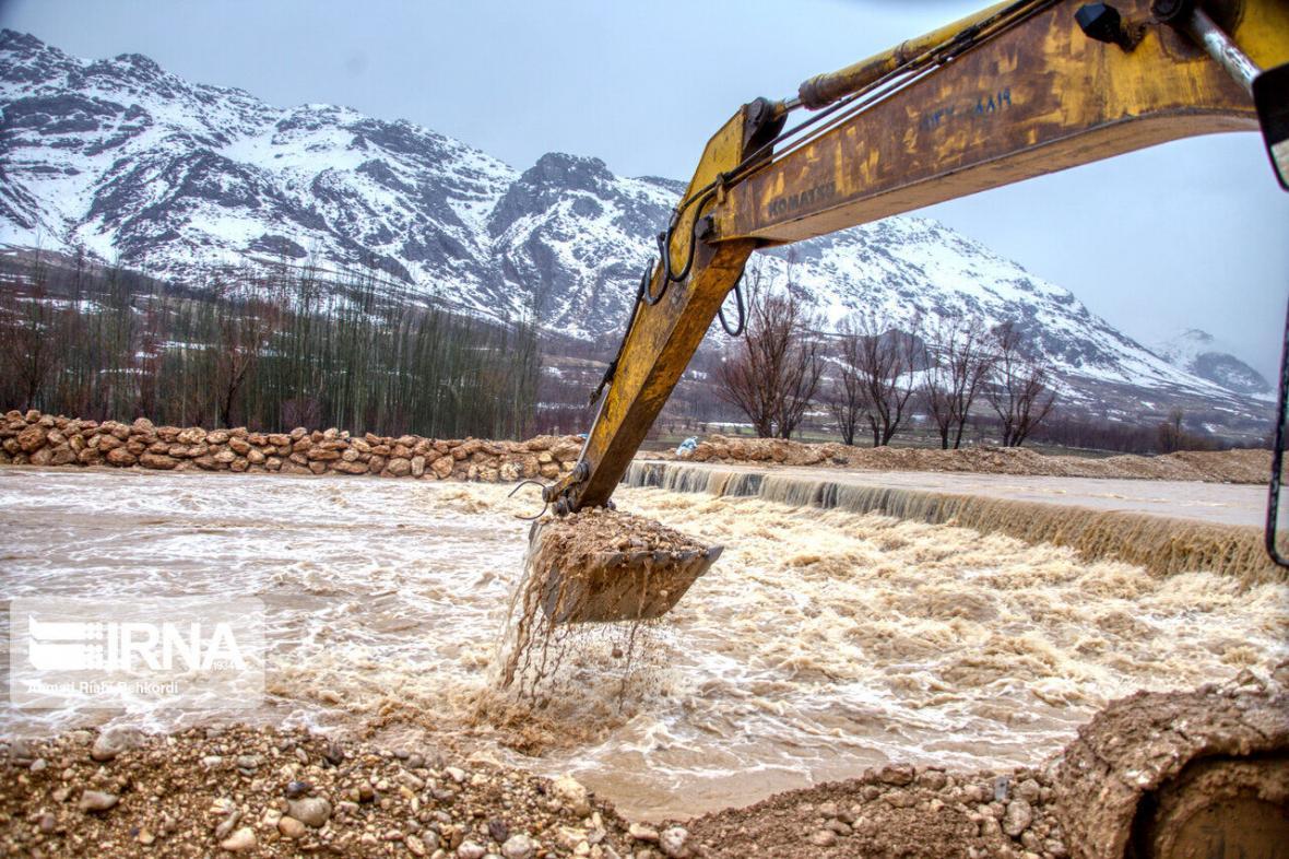 خبرنگاران دستگاه های اجرایی چهارمحال و بختیاری تا شهریور برای جذب اعتبارات خسارت سیلاب فرصت دارند