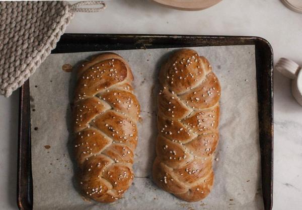 طرز تهیه نان شیرمال؛ نانهای طلایی پشت ویترین را خودمان بپزیم