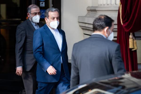 خبرنگاران عراقچی برای حضور در دور چهارم مذاکرات وارد وین شد