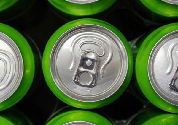 حمله قلبی به خاطر خوردن روزانه 12 بطری نوشابه انرژی زا